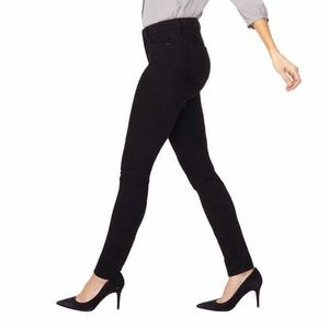 NYDJ NWT PETITE BLack Alina Leggin Jeans